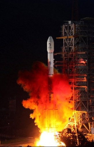 嫦娥二号在西昌发射中心成功升空 图