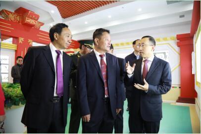 携手共创雪域高原首个现代乳业品牌 <BR>蒙牛援建的西藏净土乳业在拉萨正式投产